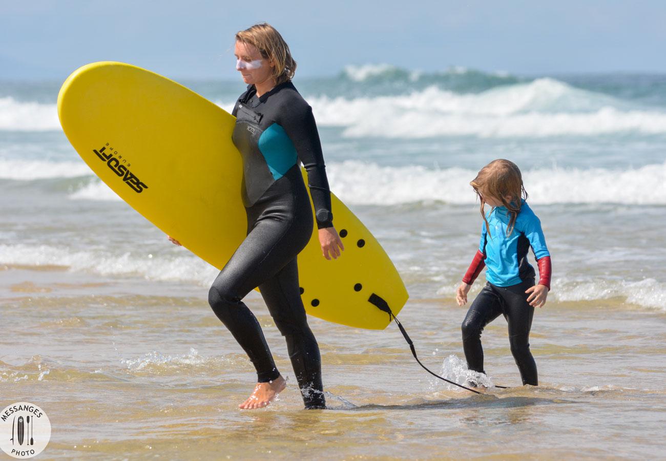 surf-famille-maman-enfant-messanges-plage