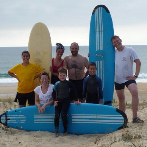amis-famille-le-surf-camp-vous-appelle