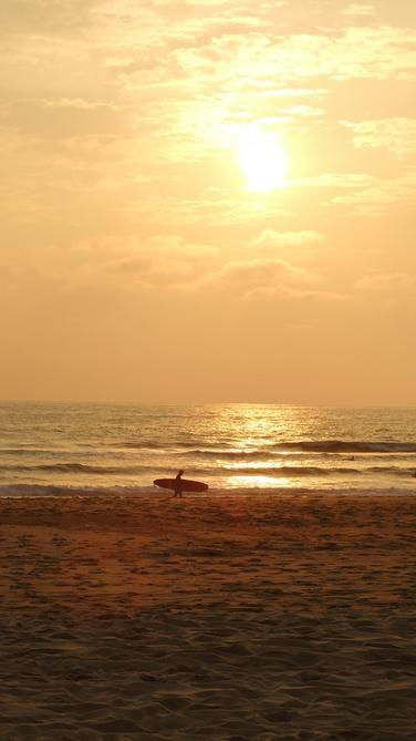 couche-du-soleil-sur-la-plage-de-messanges