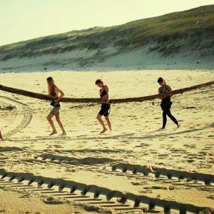 groupe-fabrique-le-surf-camp-de-la-journee-sur-la-plage-de-messanges