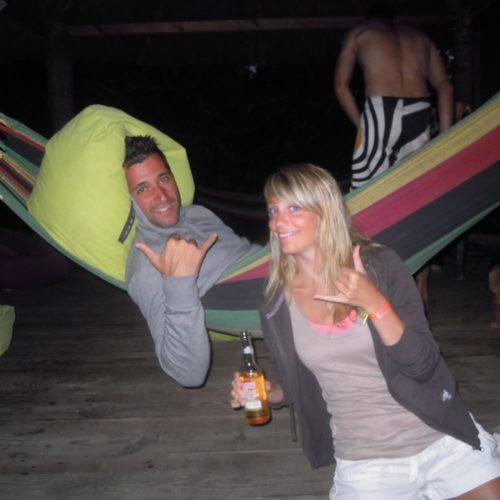le-hamac-aussi-pour-les-grands-fatigues-de-leurs-cours-de-surf